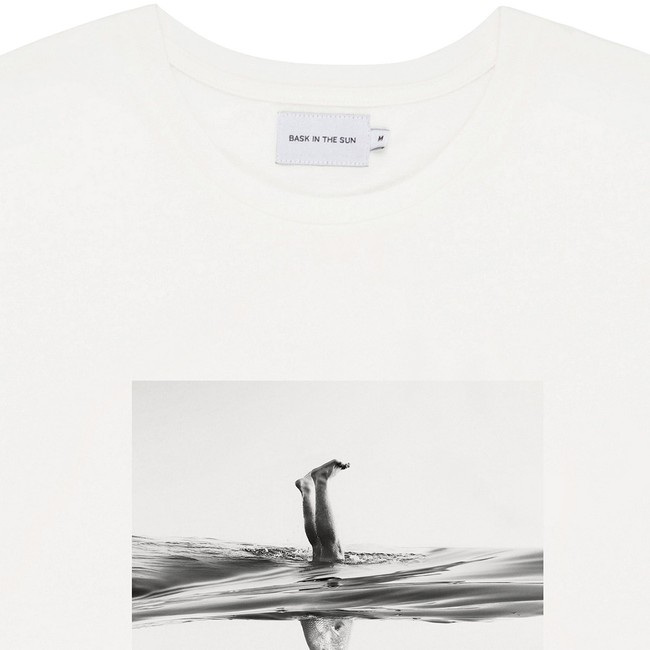 T-shirt en coton bio white aquashot - Bask in the Sun num 1