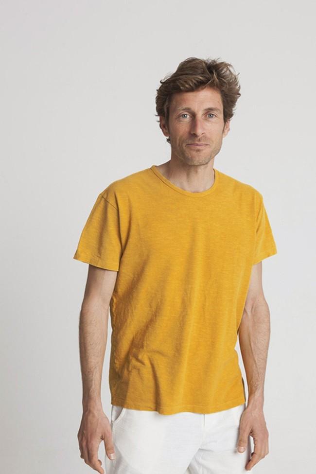T-shirt moutarde en chanvre et coton bio - Thinking Mu