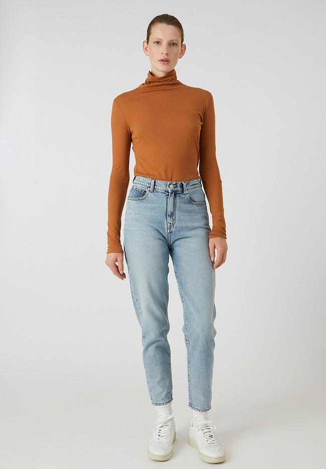 T-shirt manches longues col roulé marron en coton bio - malenaa - Armedangels num 1