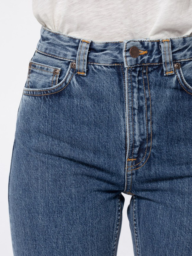 Jean mom bleu clair en coton bio - breezy britt friendly blue - Nudie Jeans num 3
