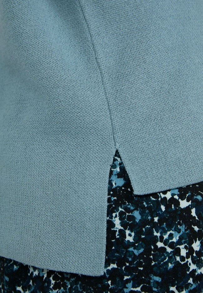 Pull ample à col cheminée bleu ciel en coton bio- yunaa - Armedangels num 3