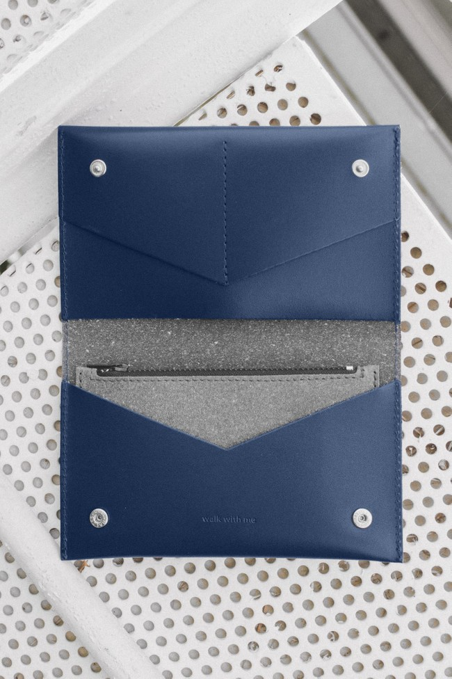 Portefeuille marine en cuir recyclé - flat purse - Walk with me num 4
